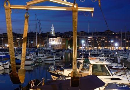 Le vieux port et la mairie de Marseille- PhotosLP-2008.JPG