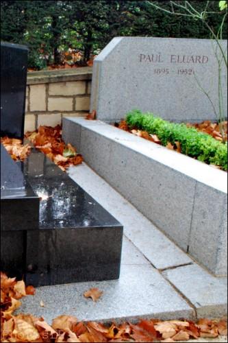 Paul Eluard-Père Lachaise-PhotosLP Fallot.jpg