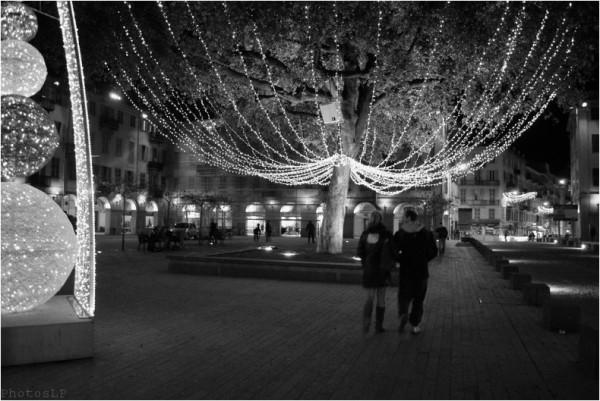 Place Garibaldi à Nice-Janvier 2011-PhotosLP Fallot.jpg