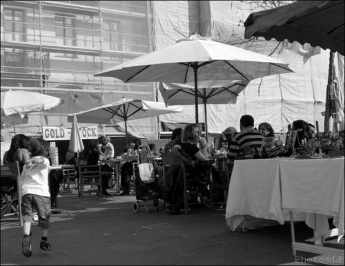 Sur la place Garibaldi un samedi-Nice 2011-PhotosLP Fallot.jpg