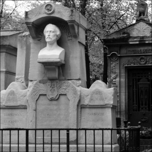 Alfred de Musset-Père Lachaise-PhotosLP Fallot.jpg