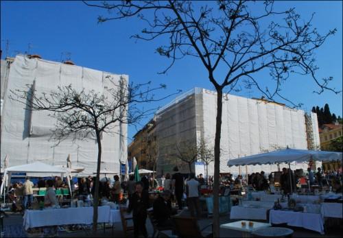 Ravalement place Garibaldi-Nice 2011.jpg