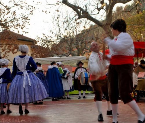 Lucéram-Marché de Noël-Groupe folklorique  La Parpaïola-PhotosLP Fallot.jpg