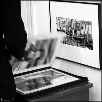 Sur un stand à PhotoMenton 2009-PhotosLP Fallot.jpg