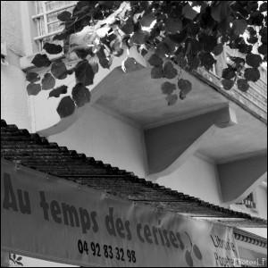 Enseigne Au Temps des Cerises à Annot-PhotosLP Fallot.jpg