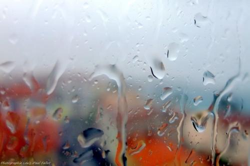 La pluie ruisselant sur les vitres-PhotosLP Fallot.JPG