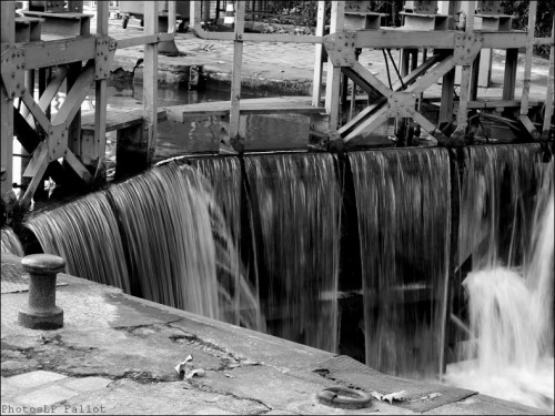 Le long du Canal St Martin-PhotosLP Fallot   (11).jpg