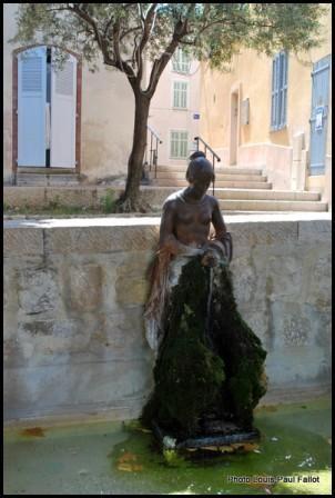 Fontaine en Provence PhotosLP 2009.jpg
