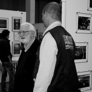 Lucien Clergue visite les stands des exposants de PhotoMenton 2010-PhotosLP Fallot.JPG